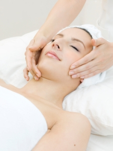 iStock_000016562741XSmall Facial Massage
